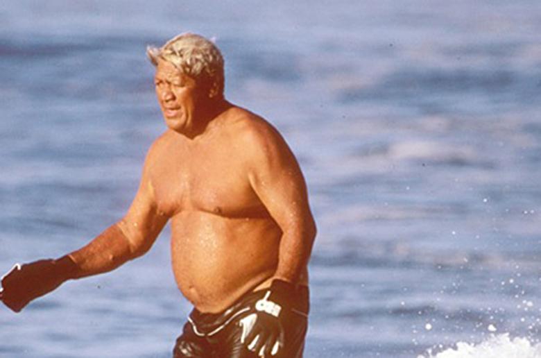 На Гавайях чтят легенды серфинга