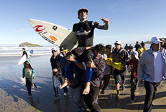 Габриэль Медина примерил корону SuperSurf Internacional Prime