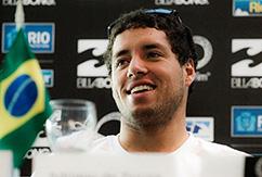 Адриано де Соуза получил травму