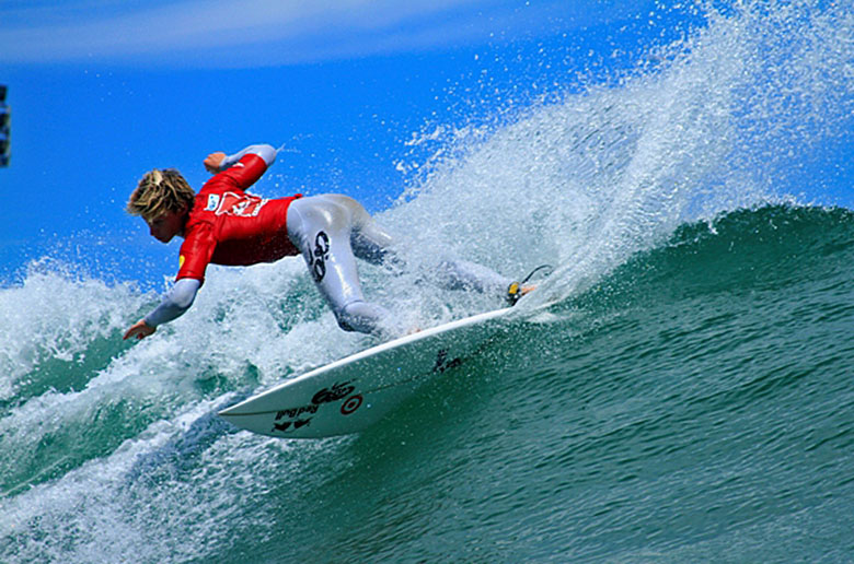 Андино - победитель ASP 6-Star Quiksilver Brazil Open of Surfing