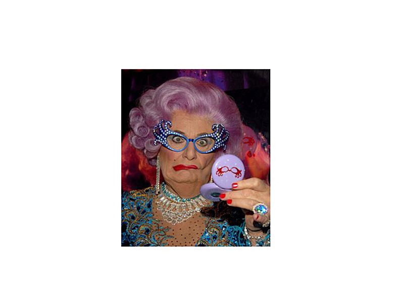 Для тех, кто не видел Dame Edna:)