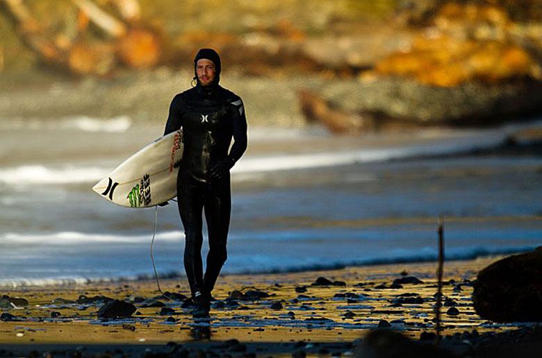 Занимаемся серфингом вдали от цивилизации