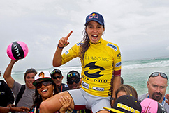 Фитцгиббонс празднует победу на Billabong Rio Pro