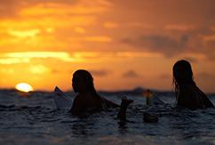 Почему женский серфинг на самом дне