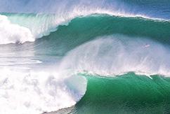 Серфинг на волнах Улувату от Murphy, Estrada, Findlay