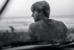 8 серферов и их портреты для проекта Hooked