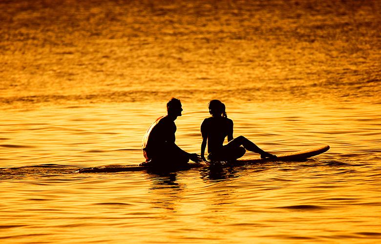 surf-couple-sunset-photo1