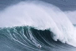 Волны в Назаре продолжают расти