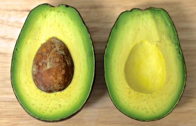 Авокадо – один из очень немногих фруктов, содержащих жиры