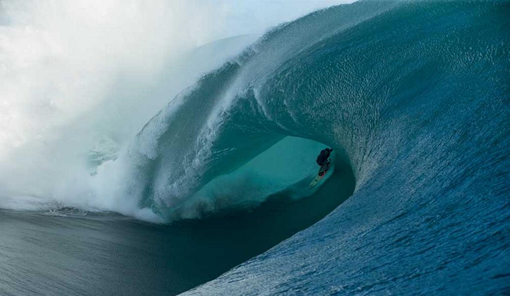 Но ничто не дает мне такого ощущения жизненной свободы, как выход на буксире в волны Тчупу и вылеты с этих огромных бочек. Кила Кеннели