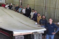 Самый большой сёрфборд в мире превращен в памятник